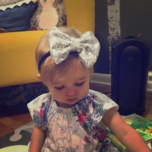 Other - Silver sequin bow headband